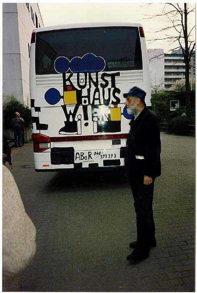 Omnibus mit Friedensreich Hundertwasser