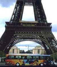 Bus am Eiffelturm